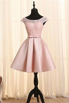 Scoop Neck Cap Sleeves Lace Homecoming Dress Short Prom Dresses PG082