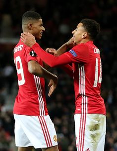 Jesse Lingard of Manchester United celebrates with Marcus Rashford after scoring the fourth goal to make the score 40 during the UEFA Europa League. Lingard Manchester United, Cristiano Ronaldo Celebration, Manchester United Wallpaper, Barcelona Soccer, Fc Barcelona, Jesse Lingard, Manchester United Players, Marcus Rashford, Premier League Champions