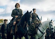 """(vía New Still with Jamie and Claire from Outlander Episode """"Je Suis Prest"""") Outlander Casting, Outlander Tv, Outlander Series, Best Period Dramas, Period Drama Movies, Diana Gabaldon, Young Prince, Hbo Series, Jamie And Claire"""