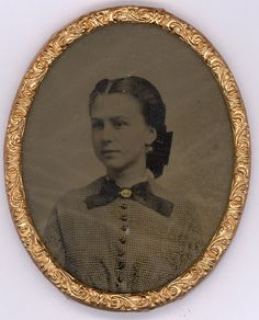 """Beautiful, very young lady, photo case marked as """"Civil War Sweethearts"""". Photographs Of People, Vintage Photographs, Old Pictures, Old Photos, Vintage Pictures, 1800s Photography, Civil War Books, Tintype Photos, Old Portraits"""