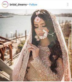 Floral jewellery South Indian Bride, Indian Bridal, Wedding Wear, Wedding Dresses, Wedding Lehnga, Bengali Wedding, Desi Wedding, Wedding Bells, Indian Wedding Planning