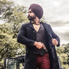 Fashion Shoot, Fashion Models, Punjabi Boys, Indian Navy, Turban Style, Stylish Boys, Mens Fashion Suits, Fashion Updates, Fashion Stylist