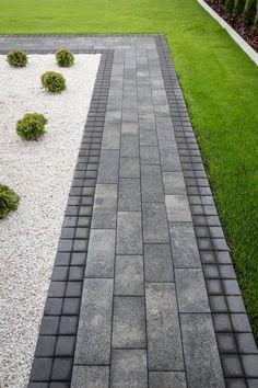 Dyi Landscaping Ideas, Modern Landscaping, Outdoor Landscaping, Front Yard Landscaping, Outdoor Gardens, Backyard Pavilion, Backyard Patio, House Floor Design, Outdoor Walkway