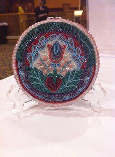 Made by beadwork artist Summer Peters. www.mamalonglegz.com Indian Beadwork, Native Beadwork, Native American Beadwork, Native American Crafts, American Indian Art, Beaded Brooch, Beaded Jewelry, Indian Arts And Crafts, Beadwork Designs