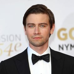 Chase Powers (Torrance Coombs).