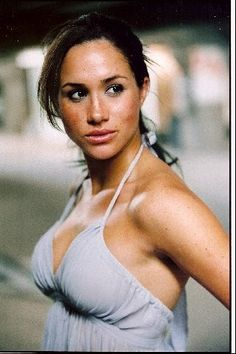 Meghan Markle Hopes Her Drunk . is listed (or ranked) 3 on the list The 23 Hottest Meghan Markle Photos Meghan Markle Pics, Meghan Markle Stil, Meghan Markle Dress, Meghan Markle Outfits, Mark Cross, Kate Middleton, Playboy, Suits Actress, Prince Harry And Megan