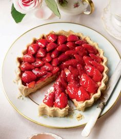 470854-1-eng-GB_simple-french-strawberry-tart