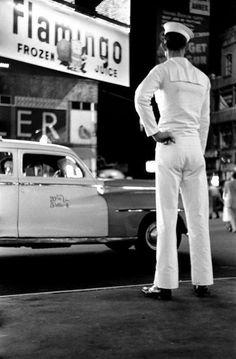 Elliott Erwitt, Times Square, 1950