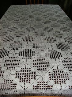 Launching the business of interior design guide - Crochet Filet - My Recommendations Crochet Ripple Afghan, Crochet Bedspread, C2c Crochet, Filet Crochet, Diy Crafts Love, Diy Crafts Vintage, Diy Crafts Crochet, Crochet Towel, Crochet Lace Edging
