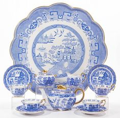 Blue Willow China, Blue And White China, White White, Blue White Kitchens, Auld Lang Syne, Burlesque Costumes, Willow Pattern, Tea Tray, China Patterns