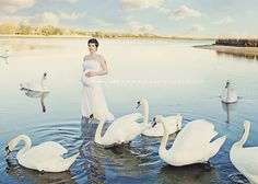 Pied Piper Photography Swan maternity photo session London, England