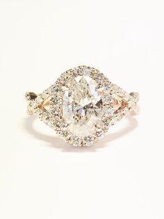 1.00CT Diamond Oval Cut Shape Solitare Halo Crisscross Infinity Engagement Rings Bands Wedding Ring Platinum 18K 14K White Yellow Rose Gold #ovalengagementrings #engagementrings