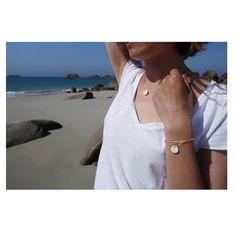 L'été est enfin là! C'est le moment de sortir votre bracelet/collier Summer🌞. Le bijou 2 en 1 que vous adorez avec sa petite médaille en porcelaine. . A noter: je fais une petite pause la semaine prochaine. La boutique sera fermée et les commandes sur l'eshop seront expédiées à partir du 30 juin. . Je vous souhaite un bon weekend🙂. . . . . . . . . . . . #été2020 #summer #sunshine #seaview #bracelet #collier #morlaix #brest #rennes #tendance2020 #tendancemode #bretagne #onparledemode… Bon Weekend, Moment, Brest, Photos, Accessories, Boutique, Fashion, Bronzer, Porcelain