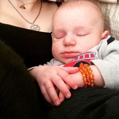 <3 www.ambercrown.com <3 #HappyHealthy #Sleepy #Baby with his #AmberCrown !