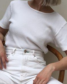"""1,039 gilla-markeringar, 4 kommentarer - Na Nin Vintage (@naninvintage) på Instagram: """"Vintage white waffle knit cotton tee best fits xs/s $36 + shipping SOLD"""""""