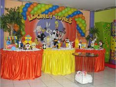 Looney tunes Halloween Birthday, 1st Boy Birthday, 1st Birthday Parties, Birthday Party Decorations, Party Themes, 1st Birthdays, Birthday Ideas, Looney Tunes Bebes, Looney Tunes Party