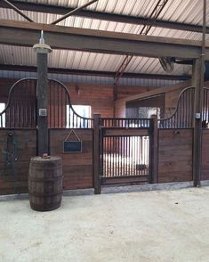 Horse Barn Ideas Stables 121 Meowlogy Within Prepare 14 Barn Stalls, Horse Stalls, Dream Stables, Dream Barn, Horse Barn Designs, Horse Barn Plans, Horse Ranch, H & M Home, Farm Barn