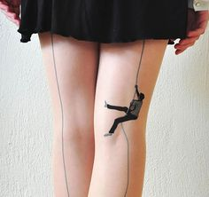 Climbing Up Tights. These whimsical tights show a man climbing up one of the back seams. Made me laugh so hard! Cool Tights, Mens Tights, Funky Tights, Patterned Tights, Pantyhosed Legs, Fashion Tights, Stocking Tights, Stocking Tattoo, Mode Inspiration