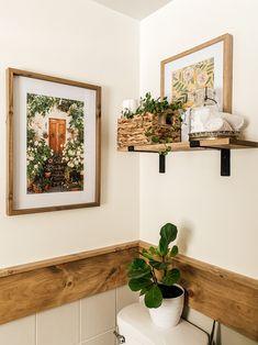 Boho Bathroom Shelf Styling Shelves Above Toilet, Bathroom Shelves, Boho Bathroom, Bathroom Inspo, Bathroom Ideas, Guest Bathrooms, Felicia, Bathroom Interior Design, Vintage Home Decor