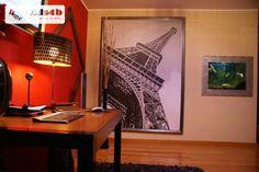 Apartamento T2, composto por 2 quartos, mas com a possibilidade de fazer mais um quarto, sala com 42m2 e um terraço, grande luminosidade em todo o apartamento, cozinha prática e funcional co...