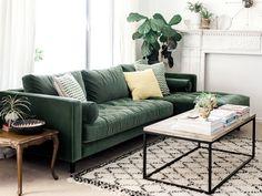 Déco salon canapé velours vert