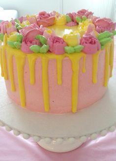 Vaahtokarkkikuorrute Blogissa makeaa ja suolaista leivontaa, kakkuja ja kakun koristeita Birthday Cake, Desserts, Food, Tailgate Desserts, Deserts, Birthday Cakes, Essen, Postres, Meals