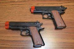 Armario de Noticias: En New York prohíben  la venta de armas de juguete...