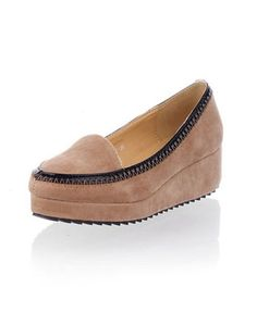 Beige Pointed Flatform Shoes with Contrast Leather Trim