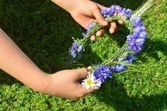 Jak zrobić wianek z kwiatów. Jak upleść wianek krok po kroku.
