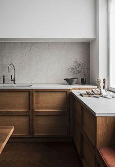 ☀ Весна - время обновлений! ☀Не пора ли обновить и вашу кухню?☘  ✨Если Вам понравилась эта кухня, то Вы можете рассчитать стоимость своей кухни и получить бесплатный дизайн-проект на нашем сайте (активная ссылка в профиле).✨  ☝ А также приезжайте в салон, чтобы обсудить с дизайнером планировку кухни и выбрать фасады. Дизайнер разработает 3D-проект кухни и рассчитает стоимость ее изготовления.⚜  ☎ +375 (29) 683 02 80 ☎ +375 (29) 693 02 80 ✉ Email: 2027000@mail.ru г. Минск, ул. Ленина…