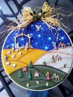 This is such a cool nativity made with a hoop, felt (material) and buttons. Christmas Nativity Scene, Felt Christmas Ornaments, Christmas Bows, Christmas Decorations, Holiday Decor, Church Crafts, Xmas Crafts, Nativity Crafts, Winter Crafts For Kids