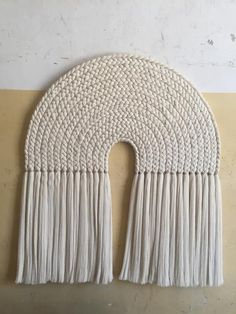 Arcoiris is a 127 x 160 cm wallpiece. It is made entirely of handwoven cotton threads, 13 beautiful braids are laid o… Macrame Wall Hanging Patterns, Macrame Art, Macrame Design, Macrame Projects, Macrame Patterns, Macrame Knots, Rope Art, Diy Wall Art, Creations