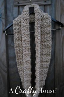 Easy Knit Infinity Scarf Pattern: Mid-December A Crafty House: Knitting and Crochet Patterns and Crafts Infinity Scarf Knitting Pattern, Knit Cowl, Loom Knitting, Free Knitting, Knitting Needles, Snood Pattern, Simple Knitting, Knit Or Crochet, Crochet Scarves
