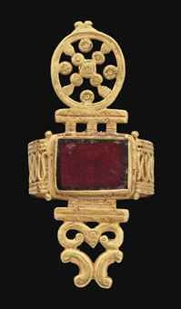 A LATE ROMAN GOLD AND GARNET RING | CIRCA 4TH CENTURY A.D. | Antiquities Auction | Ancient Art & Antiquities, jewelry | Christie's