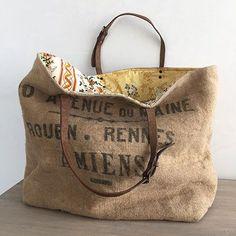 French Cabas - Large - yellow (I can make this! Burlap Bags, Jute Bags, Burlap Purse, Burlap Coffee Bags, Tote Bags Handmade, Handmade Handbags, Purses And Handbags, Leather Handbags, Feed Sack Bags