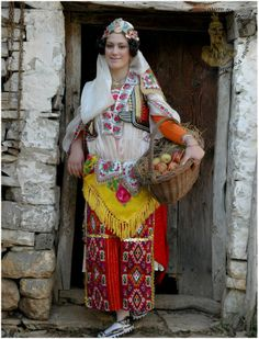 Albanian women traditional outfit | Albania.