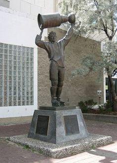 Wayne Gretzky Statue at Rexall Place - Coliseum, Edmonton, Alberta, Canada