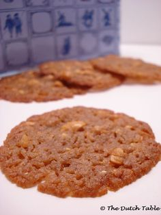 The Dutch Table: Kletskoppen (Dutch Peanut Lace Cookies) Dutch Cookies, Lace Cookies, Sweet Cookies, Yummy Cookies, Almond Cookies, Sweet Treats, Baking Recipes, Cookie Recipes, Dessert Recipes