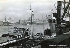1940's. A view of the habor of Amsterdam. Photo D. Joritsma. #amsterdam #1940