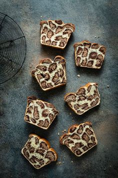 leopard Milk Bread is a soft milk bread recipe made with layers of chocolate flavored dough. A spotted bread recipe to add excitement to the kitchen. Soft Homemade Bread Recipe, Soft Milk Bread Recipe, Pavlova, Baking Recipes, Dessert Recipes, Gourmet Recipes, Chocolate Wrapping, Gateaux Cake, Brownies