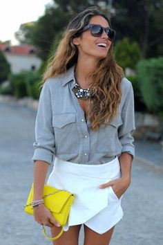 chambray + white skirt + neon clutch, but dont like yellow. Passion For Fashion, Love Fashion, Fashion Looks, Fashion Outfits, Looks Style, Style Me, Summer Outfits, Cute Outfits, Moda Chic