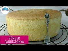 Sponge PANDISPANIA (Easy & great result without removing eggs) in the kitchen Sponge PANDISPANIA (Easy & great result without removing eggs) in the kitchen Pastry Recipes, Dessert Recipes, Cooking Recipes, Desserts, Buttercream Cake, Fondant Cakes, Sponge Cake Recipes, Cookery Books, How To Make Cake