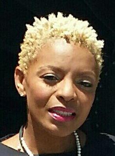 #4c #4chair #blonde #kinky #twa #nudred #spongecurls #cutlife