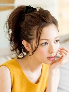 いつものおしゃれを格上げ♡ポニーテールの前髪アレンジ4選 - Locari(ロカリ)