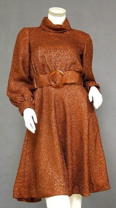1960s....ANOTHER UPDATEABLE TURN THE TOP INTO A HALTER NECKLINE FRONT & BACK....HEM RIGHT ABOVE KNEES...GREAT SHOES...JEWELS ...TADA!