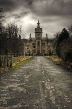 I think this Abandoned Asylum symbolises the story. This relates to the story by describing how this asylum symbolises Blanche. Also Blanche does go to a insane asylum at the end of the story. Abandoned Buildings, Abandoned Asylums, Abandoned Castles, Abandoned Places, Spooky Places, Haunted Places, Haunted Houses, Beautiful Buildings, Beautiful Places