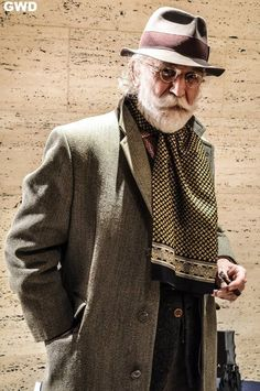 The classy issue the man with a beard older mens fashion, mens fashion:cat Mature Mens Fashion, Old Man Fashion, Men's Fashion, Der Gentleman, Gentleman Style, Mage The Ascension, Gentlemen Wear, Great Beards, Advanced Style