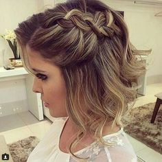 penteado de festa cabelo curto Bandana Hairstyles, Ponytail Hairstyles, Wedding Hairstyles, Cool Hairstyles, Short Wavy Hair, Short Hair Styles, Strawberry Blonde Hair Color, Corte Y Color, Pin Up