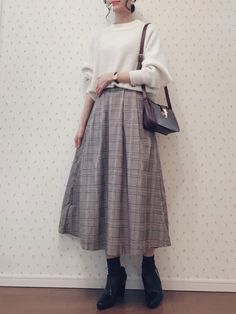 139 trendy vintage fashion outfits hijab – page 1 Long Skirt Fashion, Modest Fashion, Modest Outfits, Skirt Outfits, Retro Fashion, Vintage Fashion, Korean Street Fashion, Ulzzang Fashion, Japan Fashion