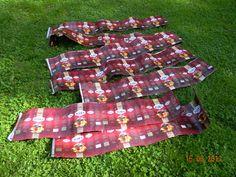 Koppa JuhlaMokka pusseista – Käsitöitä ja Puutarhanhoitoa Picnic Blanket, Outdoor Blanket, Korn, Gift Wrapping, Tuli, Gifts, Diy, Coffee Bags, Sachets